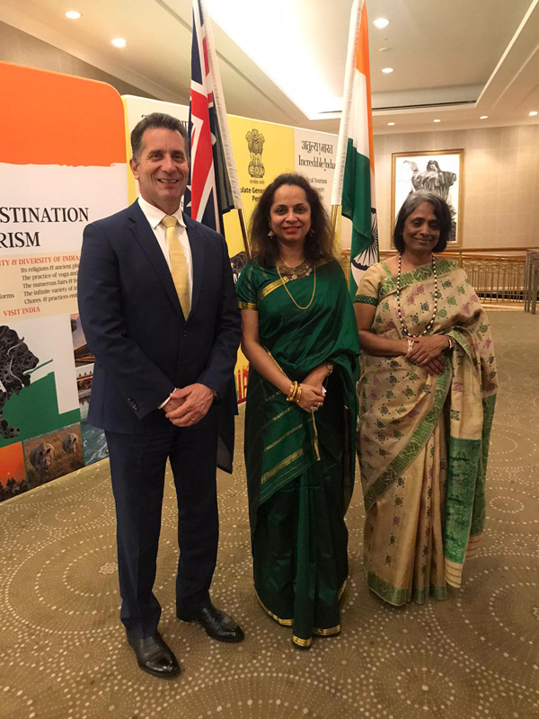 Dr Vidhu with Hon Paul Papalia and Hon Dantu Charandasi, Consul General of India 🇮🇳 in Perth!